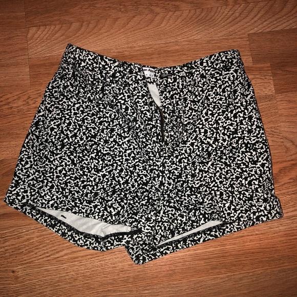 American Apparel Pants - American Apparel high waisted short 28/29